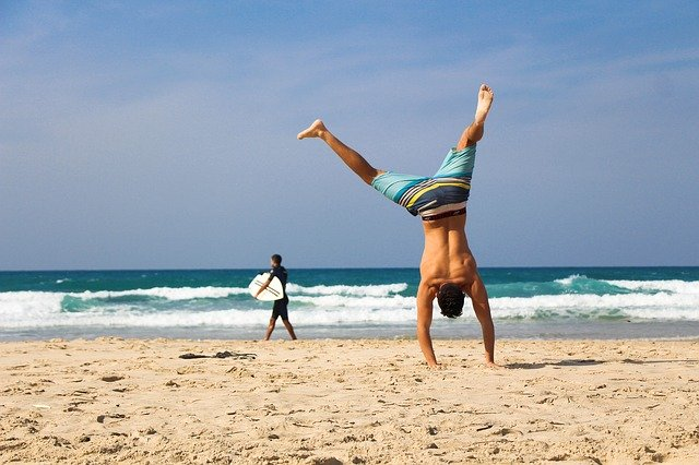 hatha-yoga am strand